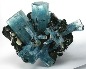 Aquamarine-specimen-just-mined