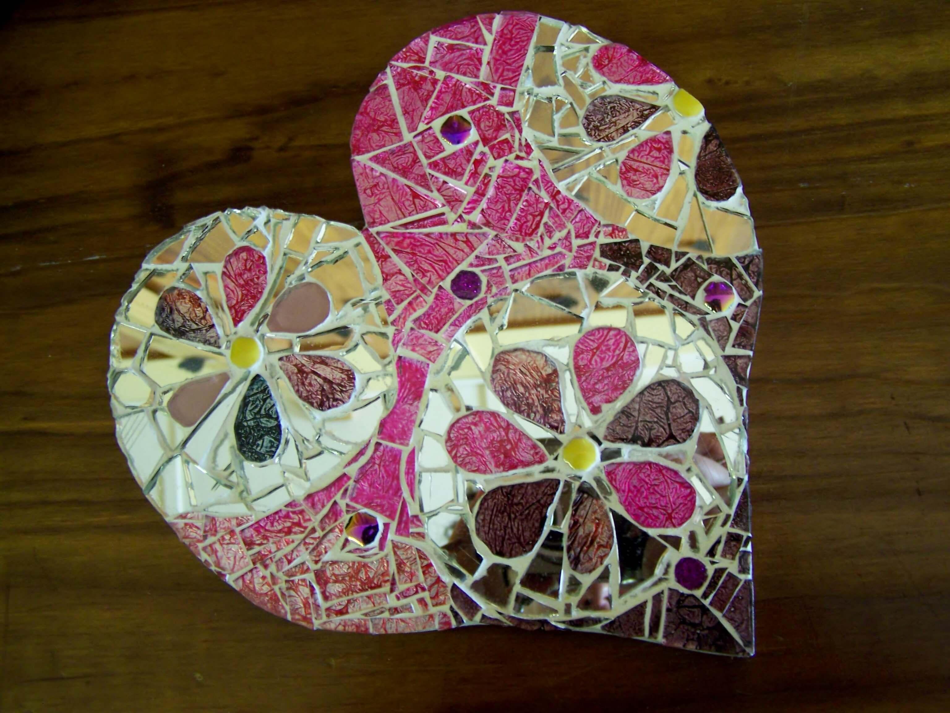 Mosaic'd Heart 2 18cm R145