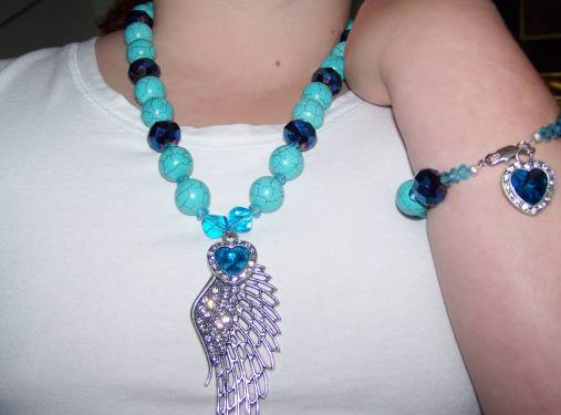 Turquoise Wing R300, Bracelet R130