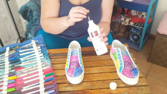 Author - How to - Sharpie Takkie Craft Project 11