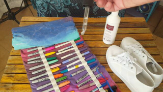Author - How to - Sharpie Takkie Craft Project 4